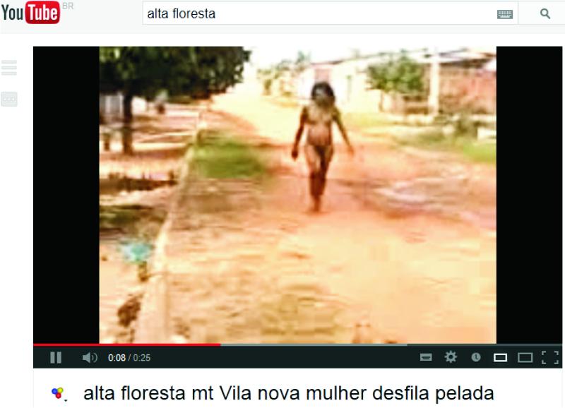Mulher Flagrada Andando Nua No Bairro Vila Nova Video