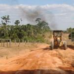 Estradas do setor Oeste estão sendo recuperadas em AF