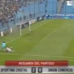 "Goleiro tenta ""drible do Valdívia"" e toma gol bizarro"