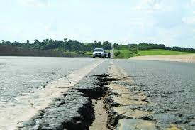 Com presença de vice-líder do governo Romoaldo Júnior, contrato de concessão de rodovias foi assinado
