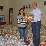 Secretaria de Assistência Social recebe cestas básicas da campanha Natal Solidário