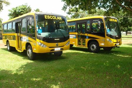 CAOS NA EDUCAÇÃO: 9 ônibus escolares estão estragados e boa parte dos alunos da Zona Rural estão sem aula, afirmou parlamentar