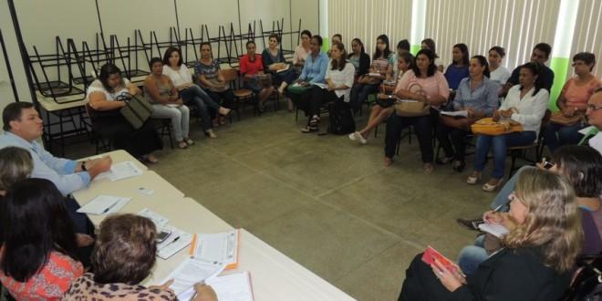 Secretaria de Educação realiza reunião com diretores das Escolas Municipais