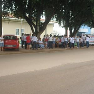 professores em frente ao forum (28)