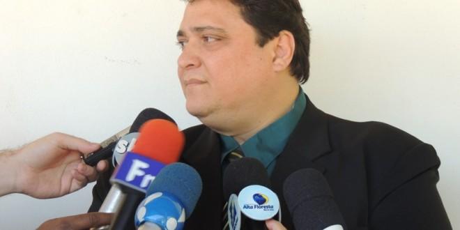 Procuradoria Jurídica fala a imprensa sobre ações tomadas em caso de invasões de áreas públicas em alta floresta