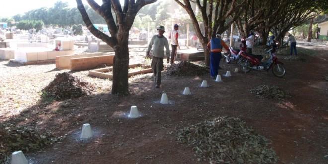 Prefeitura realiza mutirão para limpar Cemitério Municipal