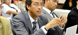 Bertulio pede para sair e Taques nomeia novo secretário de Saúde