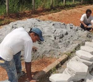 Prefeitura de Alta Floresta está finalizando o calçamento do Parque Zoobotânico-2
