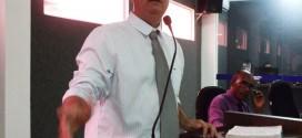Vereador Charles sugere padronização de medicamentos e agendamento informatizado