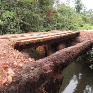 12.01.2017_Prefeitura de Alta Floresta constrói ponte de 11 metros na MT-325 (3)