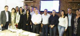 Prefeito de Apiacás participa de reunião com o governador em busca de melhorias para município