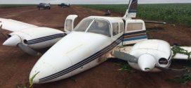 Avião com 400 kg de cocaína cai e cinco são presos