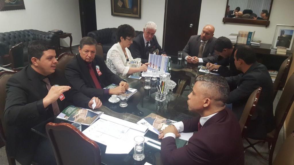 Prefeitos mobilizam senadores