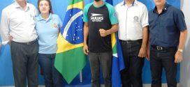 Em visita ao Complexo Esportivo, Governador Rotary conhece campeão mundial Skiva