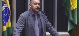Deputado Tiririca se despede e diz que sai com 'vergonha' da política