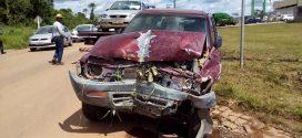Acidente envolvendo caminhonete e mais dois veículos é registrado na MT-208