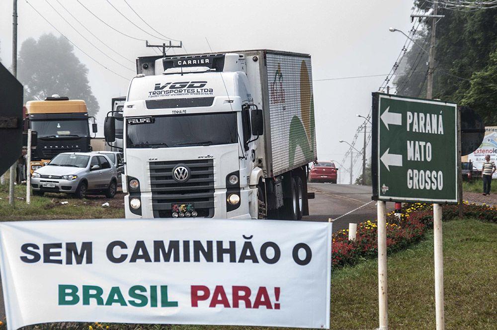 Resultado de imagem para protestos dos caminhoneiros