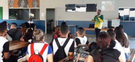 História de vida: Campeão Mundial Zé Eskiva ministra palestras em escolas de Alta Floresta contando sua trajetória no esporte