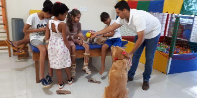 'Pet Terapia' ajuda no desenvolvimento dos alunos atendidos pela APAE de Alta Floresta