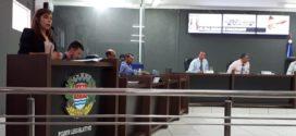 Vereadora reclama na tribuna sobre ar-condicionado instalado na Policlínica, mas que ainda não foi ligado