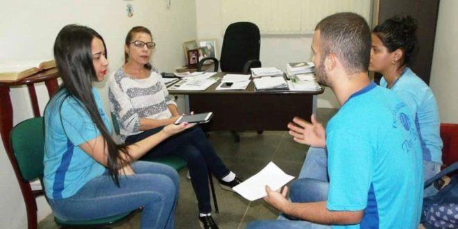 Vereadora Elisa Gomes falou sobre políticas públicas durante encontro com alunos da rede pública de ensino