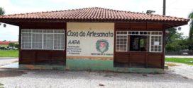 Localizado na Praça Cívica, 'Casa do Artesanato' oferece diversidade de produtos feitos pelas mãos de artesãos de Alta Floresta e região