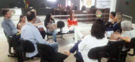 Reunião para discutir as atividades da 'Semana Municipal Pela Não Violência Contra a Mulher' foi realizada ontem (06/11) na Câmara Municipal
