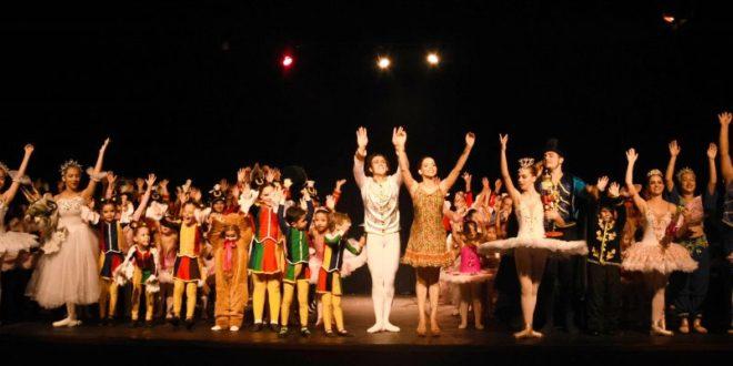 Grande público prestigiou o espetáculo 'O Quebra Nozes' promovido pelo estúdio Corpo em Movimento