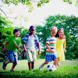 Alta Floresta: crianças que brincam ao ar livre são mais livres e felizes