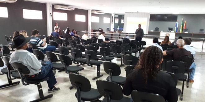 Poucos munícipes comparecem a audiência pública para discussão da LOA