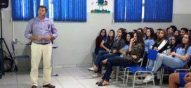 No Dia Nacional de Combate às Drogas, Secretaria de Saúde de Alta Floresta promoveu palestra à alunos da Escola Presbiteriana