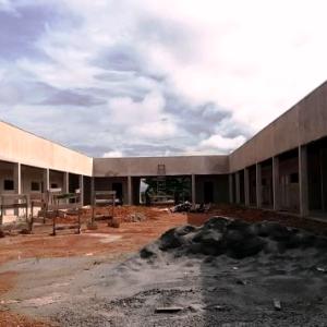 Construção de bloco com 10 salas da Unemat será retomada nos próximos dias