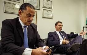 Família Bolsonaro tem medo do que Frederick Wassef pode fazer em caso de rompimento