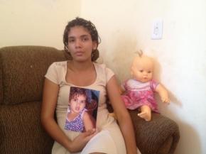 Mãe volta ao Brasil sem a filha desaparecida na Ucrânia