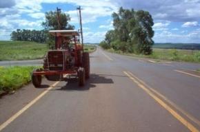 Governo volta atrás e suspende exigência de emplacamento para tratores agrícolas