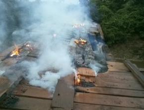 Ponte é queimada