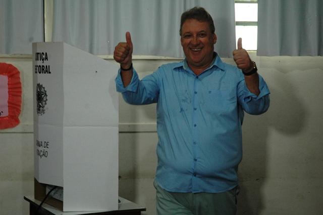 Romoaldo vota
