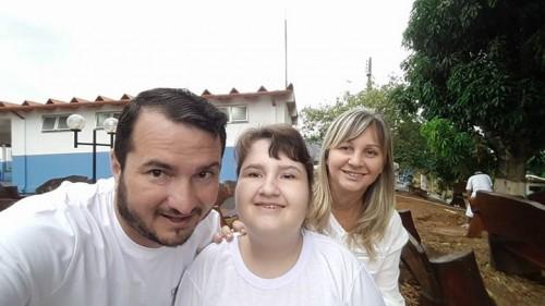 Frank e Eliane comemorando o aniversária da pequena Amanda. Parabéns!