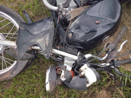 acidente trevo - fotos mario (9)