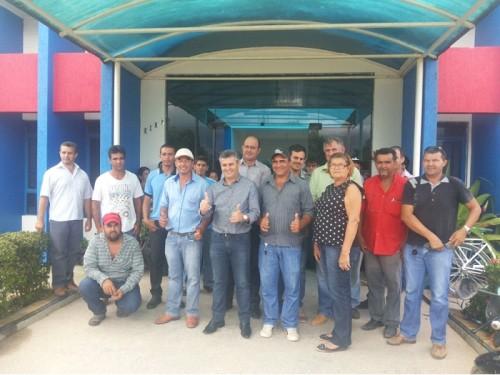Prefeito de Apiacás Adalto Zago entrega maquinário novo para Secretaria de Obras