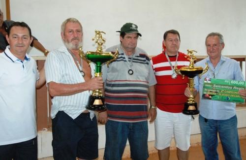 Acidente tira vida do campeão municipal de bocha (Venancio ao lado do ex-secretariao Zamir Mendes)