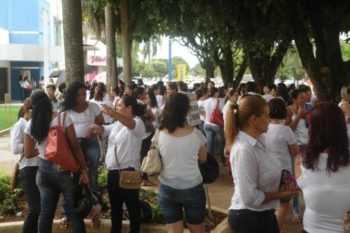 professores em frente ao forum (3)