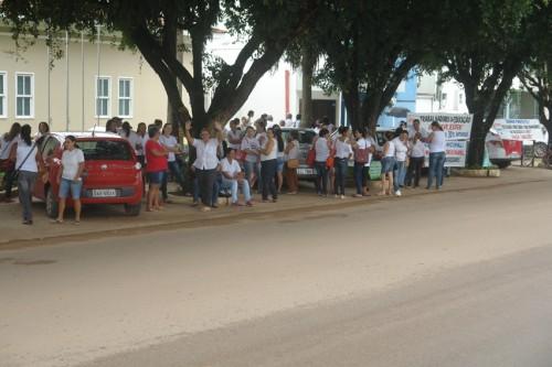 professores em frente ao forum (31)