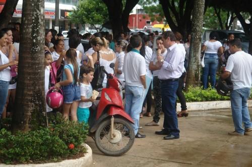 professores em frente ao forum (8)