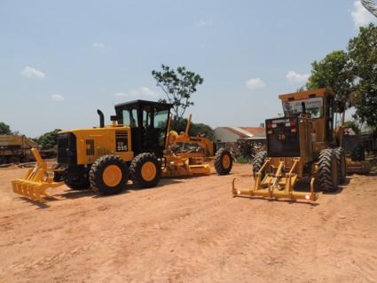 Prefeitura de Alta Floresta investe mais de R$ 1 milhão na aquisição de duas Motoniveladoras novas 4