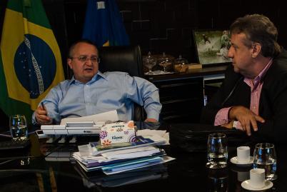 Deputado Romoaldo Junior  se reúne com o governador