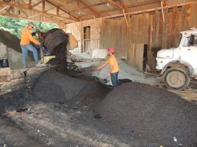 Infraestrutura fabricou mais de 10 toneladas de pavifácil para a segunda fase da Operação Tapa-buraco-2