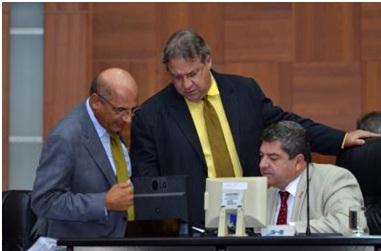 Mesa Diretora apresenta projeto de lei para criação de cargos de auditor de controle interno