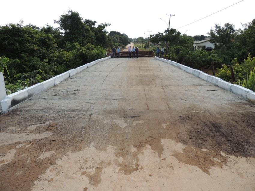 Prefeito Asiel Bezerra entrega ponte do Boa Nova para a comunidade-2