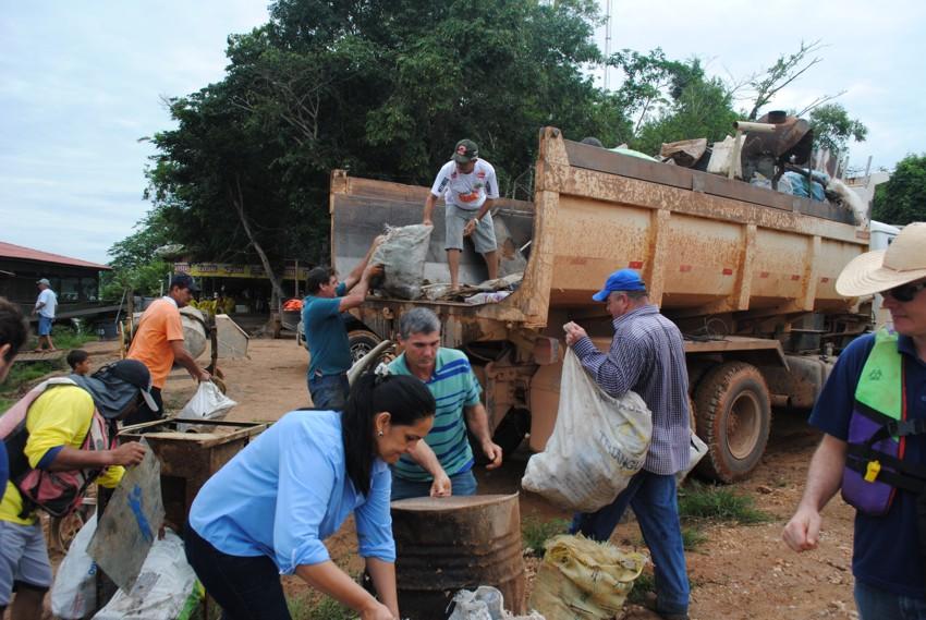 Mutirão de limpeza no rio Teles Pires retirou 20 tone2
